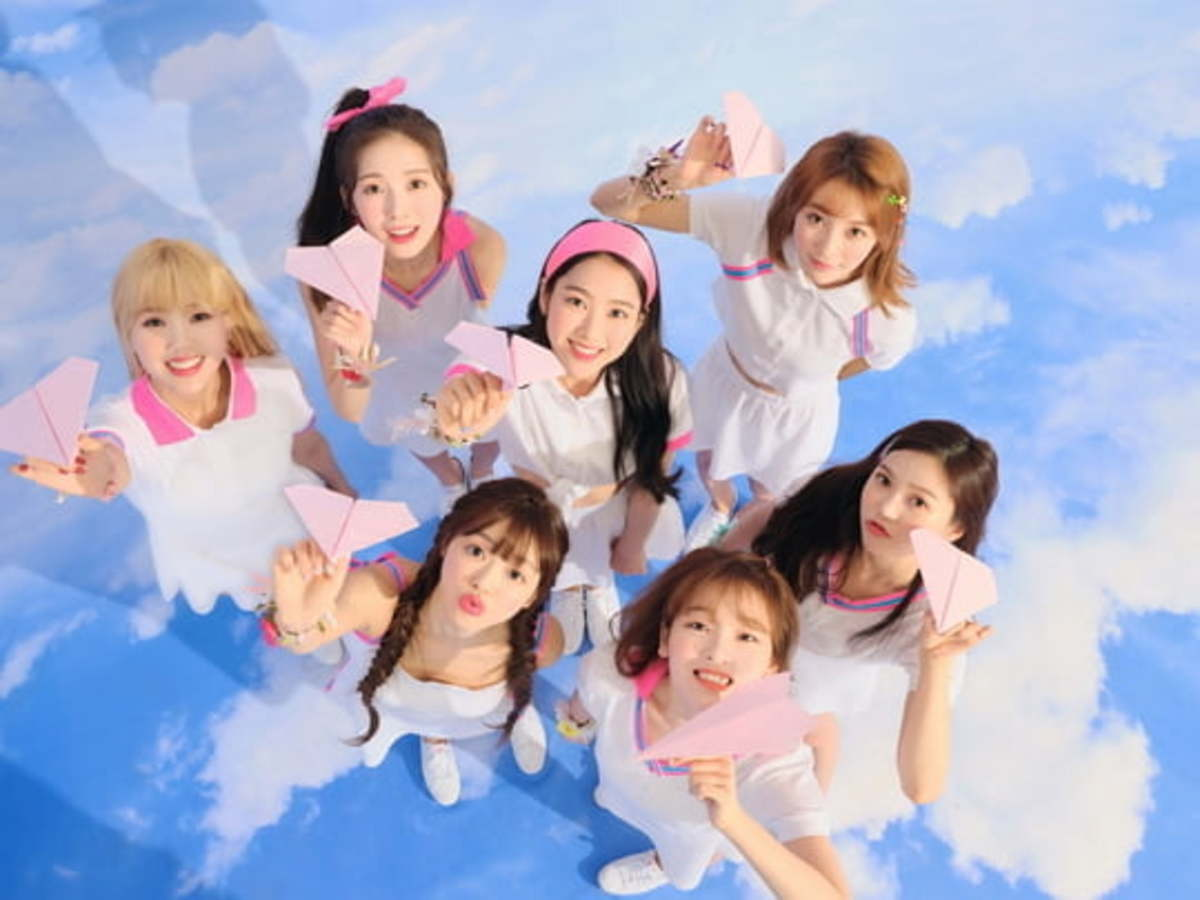 OH MY GIRL has confirmed their comeback as a whole group on the 27th April